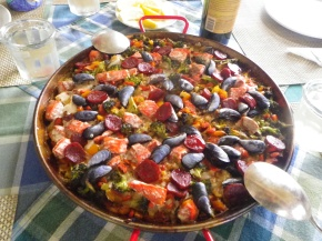 Paella a la Prince William Sound Lodge