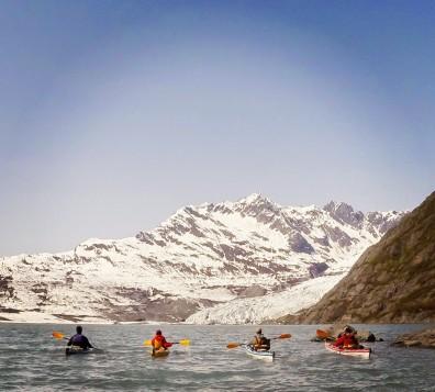 Paddling to Shoup Glacier