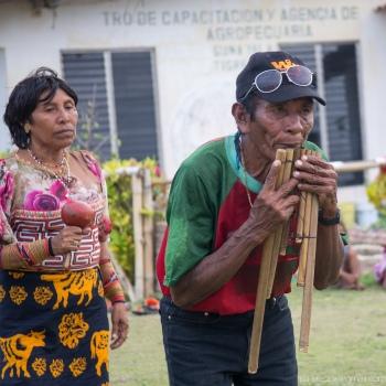 Maestro Daniel, leading a Guna Danza