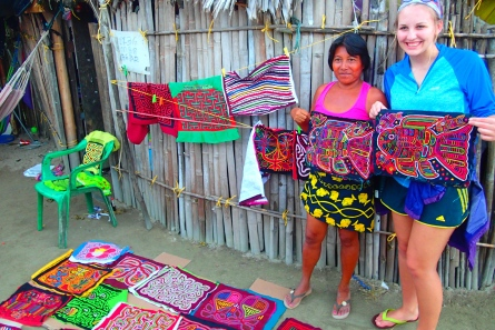 """Mola"" shopping is a favorite activity in Guna Yala"