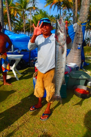 Ina, showing that he caught 3 Barracuda