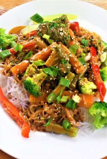Asian stir fry with mung bean noodles