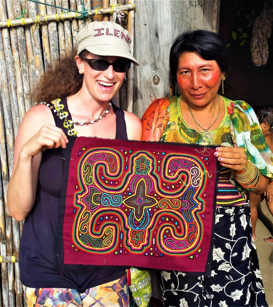 Shopping for molas, Guna Yala, Panama