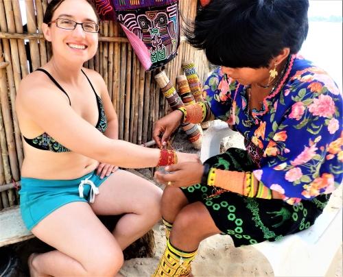 Getting Guna beads, Guna Yala